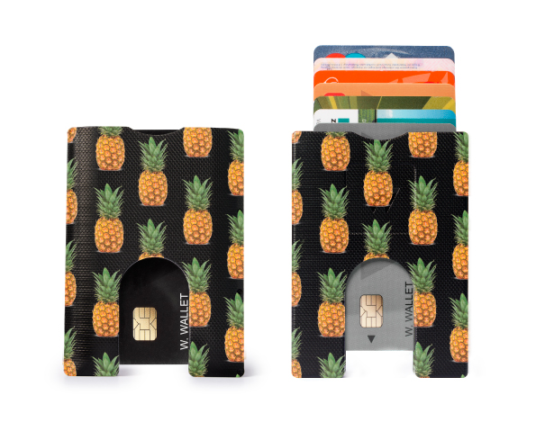 black-pineapple-small